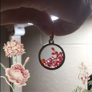 Forever 21 Jewelry - Free-Flowing Red and Pink Bead Pendant